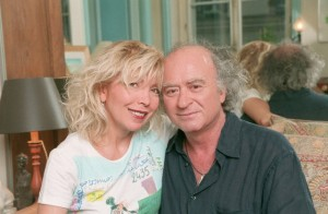 5 juillet 2001---George Wolinski avec sa femmeMaryse-- Image par © Eric Fougere/Kipa/Corbis